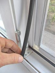 Замена резинового уплотнителя на окнах и дверях ПВХ
